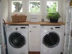 Who wouldn't want to do laundry in here?!