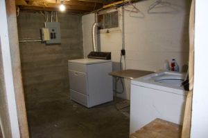 Laundry room - nothing done in here, except laundry