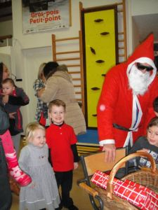 The kids had a school program with lots of songs and a visit by Père Noël - a very creepy version of Santa (no, not all French Santas look this way...I think it was someone's Dad)